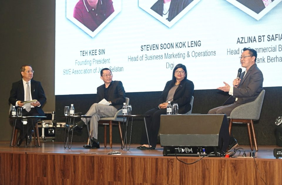 Valuable insights: (from left) Teh, Soon, Azlina and P'ng urge SMEs to leverage technology to grow their business.